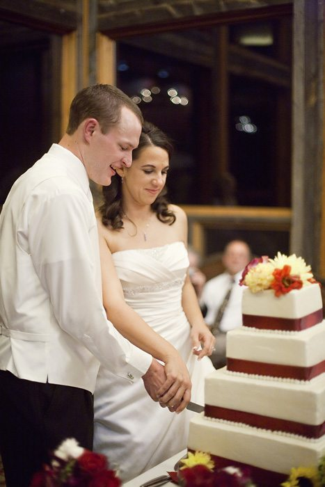 Just simply delicious wedding cake at laurel ridge country club