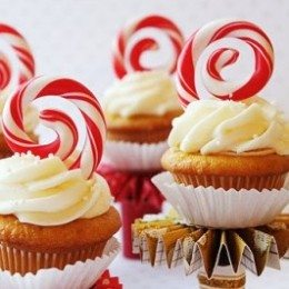 Candy Cane Cupcake Toppers you can do yourself.