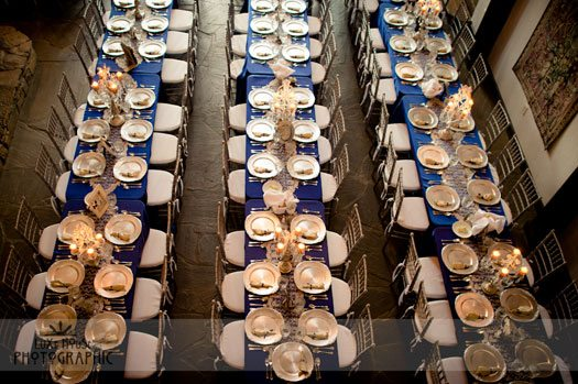 table-settings-for-blue-and-white-wedding