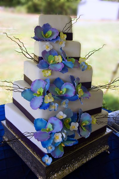 outside wedding cake table in summer heat